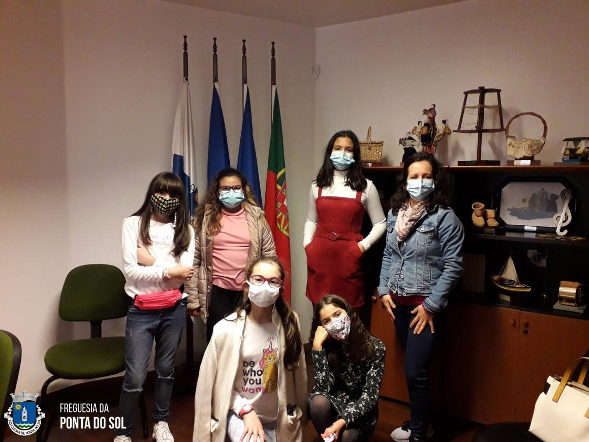 Alunos do Clube Vive + visitam a Junta de Freguesia