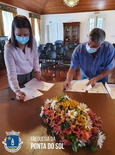 Assinado o contrato entre a Câmara e a Junta da Ponta do Sol no valor de 51.746 €