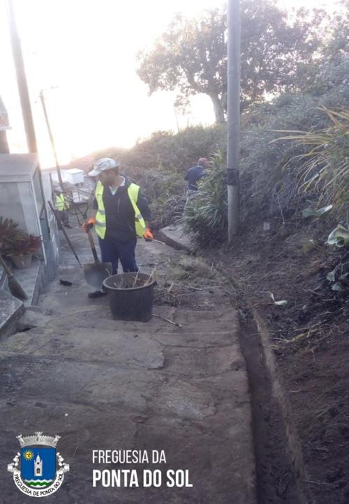 Limpeza das veredas e levadas da zona da Lombada - Ponta do Sol