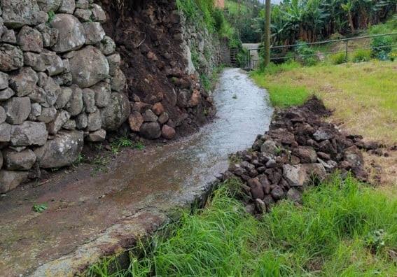 Limpeza e desobstrução das veredas | derrocadas na freguesia