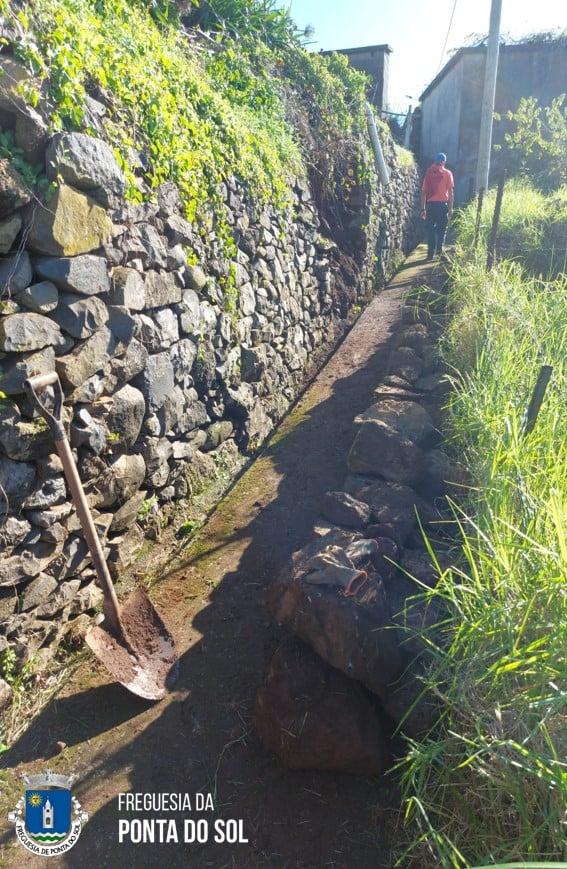 Desobstrução de algumas veredas e levadas no Lombo de São João e na Lombada