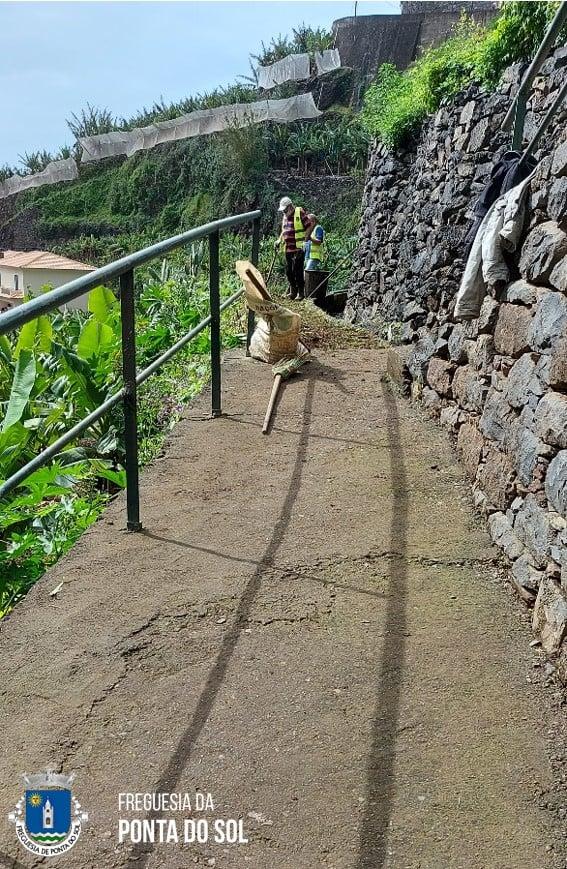 Mondas e limpezas na Vila da Ponta do Sol