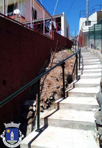 Colocação de varandim | Entre Pavana e o caminho da Aberta no sítio do Pomar D. João