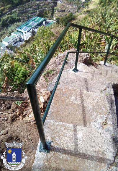 Colocação de varandim | Caminho do Pico e vereda Banda da Rocha