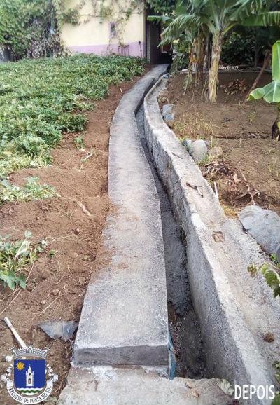 Segunda fase da pavimentação da vereda e levada  | Sítio do Pico da Amendoeira