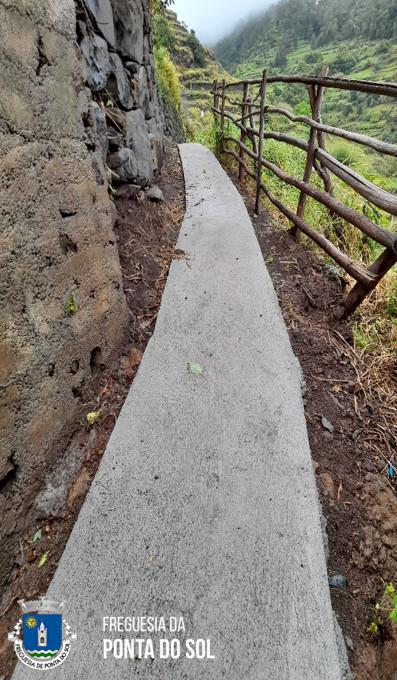 Recuperação e pavimentação de 150 metros da vereda do Canto no caminho do Jangão